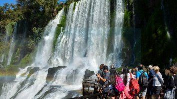 Cataratas del iguazú. Es uno de los lugares donde se preparan para recibir un aluvión de visitantes.