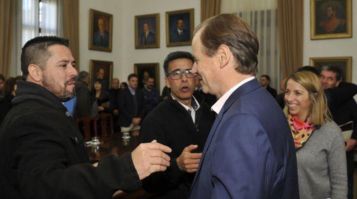 Diálogo. Los intendentes vecinalistas electos el 9 de junio transmitieron sus inquietudes al gobernador Bordet.