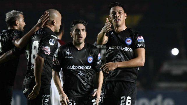 El equipo de La Paternal y un buen resultado.
