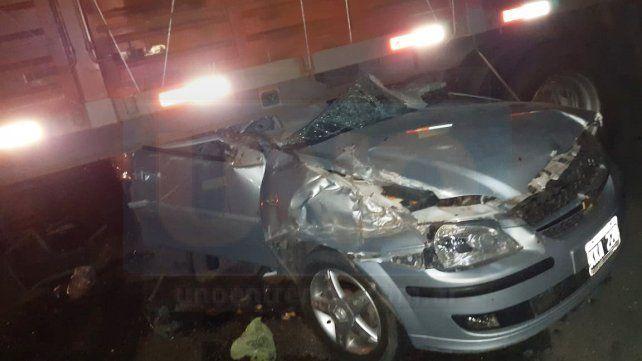 Imprudencia: Un camionero tomó un retorno clandestino y provocó un grave accidente