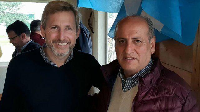 Seducción. El intendente electo de Santa Elena con el ministro.