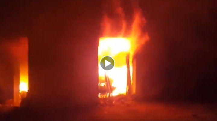 Hay un detenido por el incendio a la casa del intendente