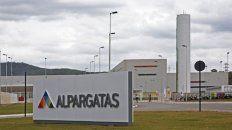 La empresa actualmente es de capitales brasileños y uno de sus principales controlantes es el banco Itaú.