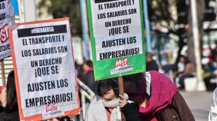 Petitorio. Manifestantes pidieron una audiencia al intendente Varisco.
