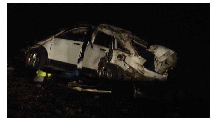 Volcó camioneta en la que viajaba El Pepo: murieron dos personas