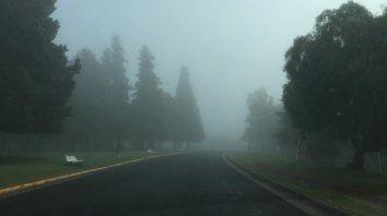 parana amanecio fria y con bancos de niebla