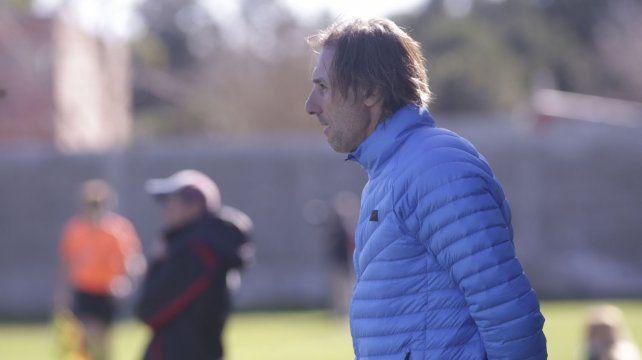 Rolando Schiavi es el entrenador de la Reserva Xeneize.