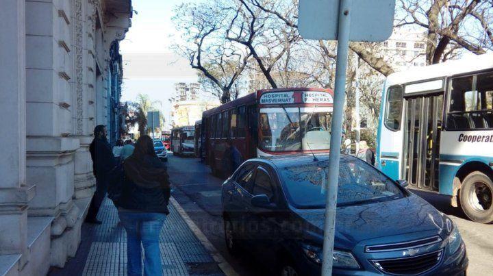 Transportistas protestan y piden aumento del boleto