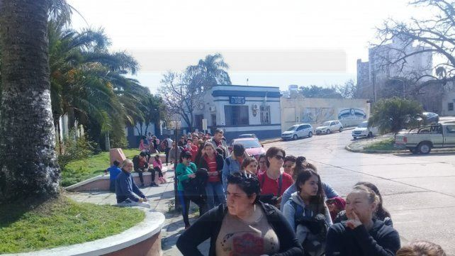VIDEO: Por el paro de colectivos el tren vuelve a tener gran demanda