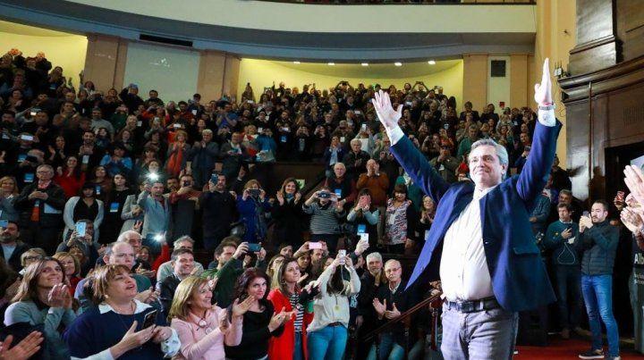 Fernández cerró la campaña en Córdoba