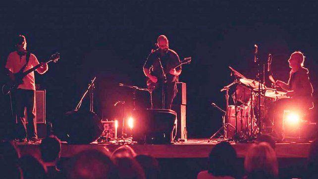Formación. La voz y guitarra de Yamil Isaac