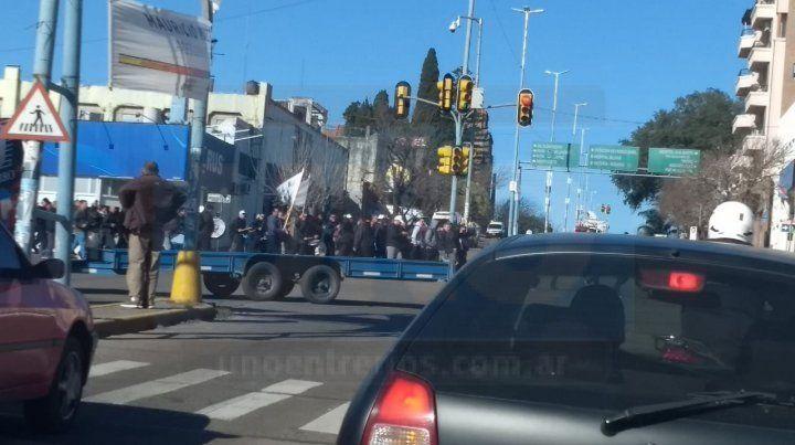 Hoy se cumple el séptimo día de paro de colectivos y hubo protesta de choferes.