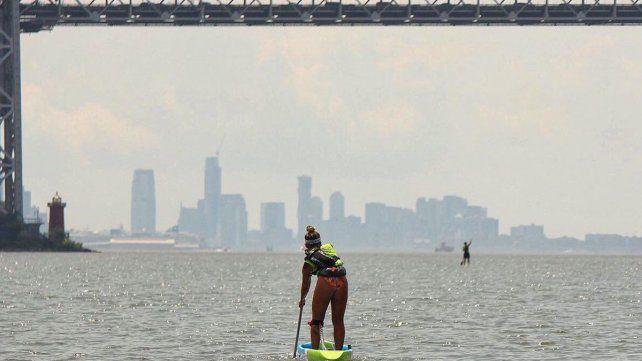 Una verdadera postal. La competencia comenzó en el Brooklyn y terminó en Chelsea Piers. Fueron 20 puentes lo que debió pasar por debajo la paranaense por adopción Juliette Duhaime.
