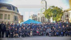 Carpa y reclamo. Frente a la Municipalidad, UTA exigió el pago de la deuda. Foto: Mateo Oviedo