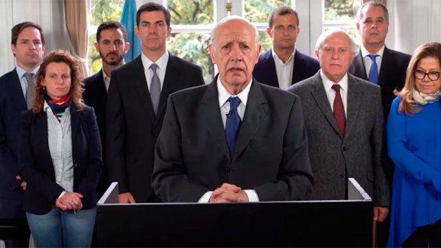 Lavagna canceló su campaña hasta que el país recupere la estabilidad