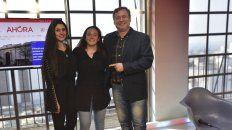 Lorena, Alicia y Horacio en la premiación.