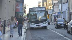 la provincia adelanto fondos para destrabar el conflicto del transporte