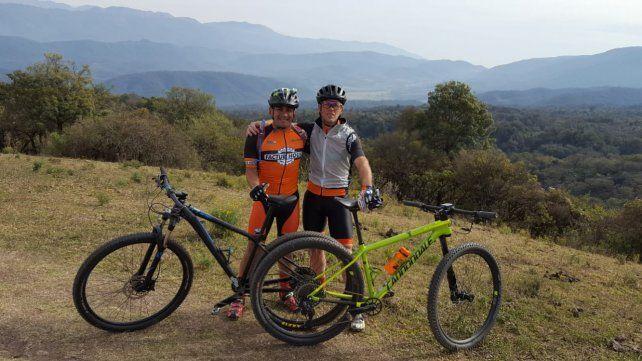 Claudio Esquivel y Factur Pasgal están listos para bajara las sierras tucumanas.