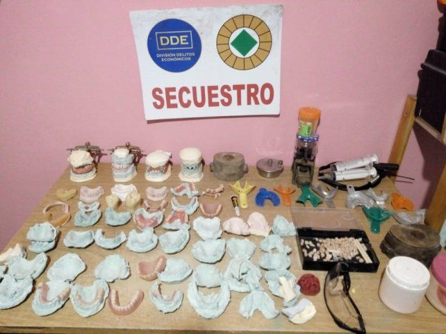 Investigan una pareja por ejercicio ilegal de la odontología en Paraná y San Benito