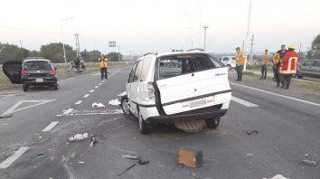 Violento choque con lesionados en el Acceso Norte