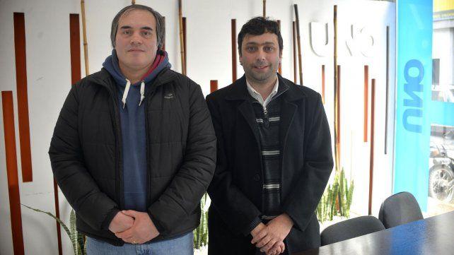 Martín Sbarbaro y Exequiel Aramburu en la redacción de UNO.