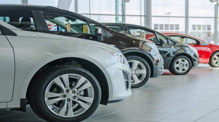 Impacto del dólar: para mantener las ventas de autos 0 Km se resigna rentabilidad