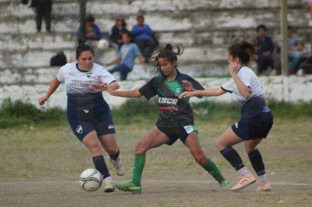 Las chicas de Universitario A y Oro Verde. Fotos Gentileza Esteban Bonsi/Minuto a Minuto