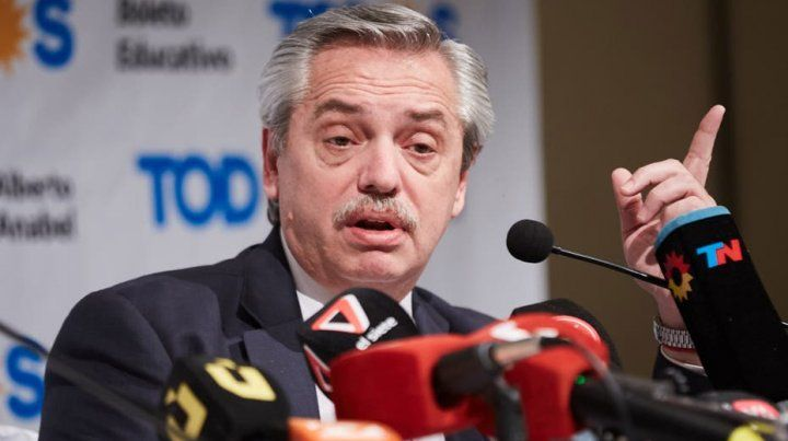 Alberto recibió al FMI y lo culpó por el agravamiento de la crisis