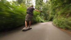 powell-peralta downhill y un video lleno velocidad