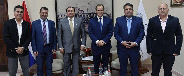 Impulsan un acuerdo estratégico con Paraguay por el sistema portuario