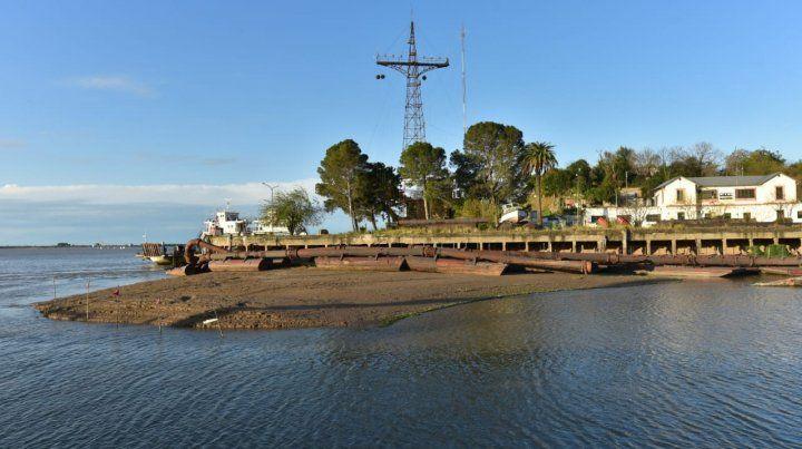 En el Puerto Nuevo de Paraná se puede ver el lecho del río.