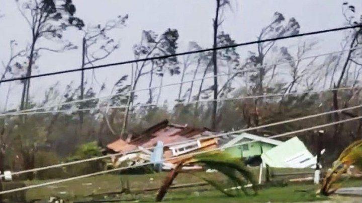 Al menos cinco muertos y destrozos causó el Dorian en las islas Bahamas