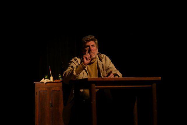 Estrenan una obra que retrata a Juan Manuel de Rosas en el destierro