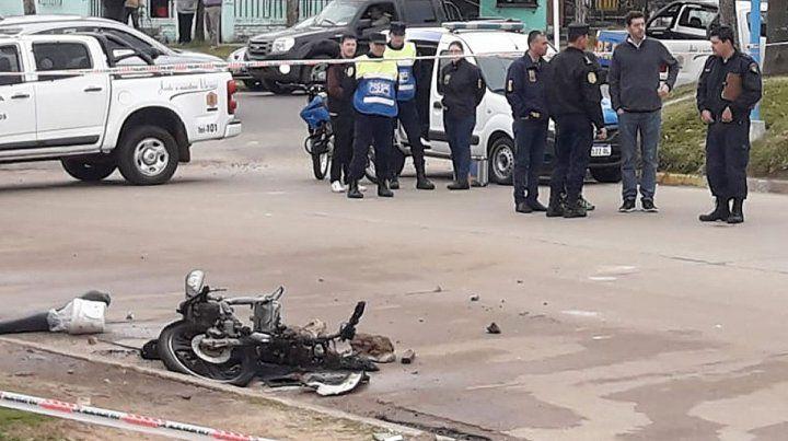 Una policía que intentaba mediar en una pelea de barras mató a un vecino