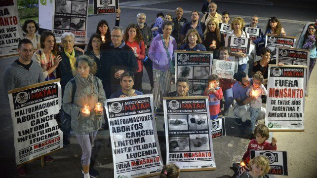 En Paraná se realiza la ronda de los martes frente a Casa de Gobierno