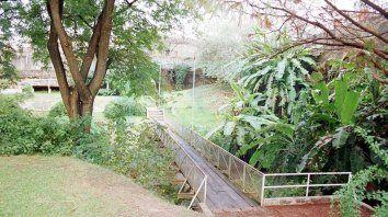 investigan la muerte de una mujer hallada en paseo jardin