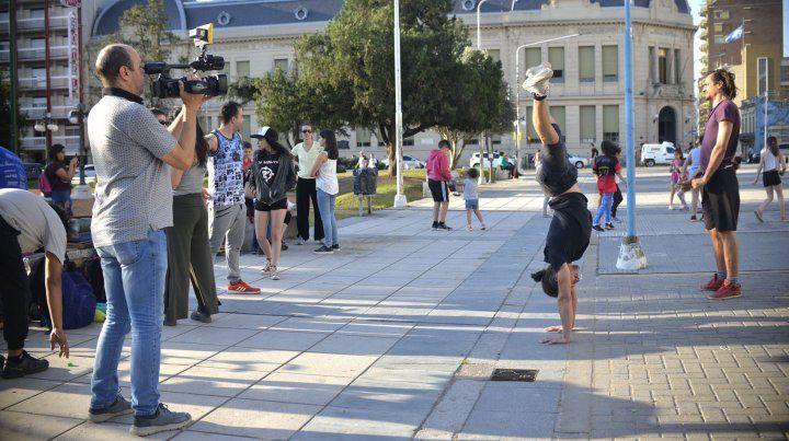 Los medios de Paraná reflejan la situación de les profesores.