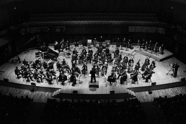 La Sinfónica se presentará junto a la violinista Aisha Syed Castro