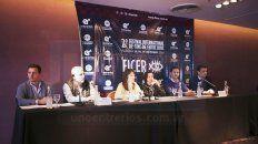 La prensa, empresarios del sector turístico y funcionarios provinciales se dieron cita en el lanzamiento.