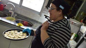 cecilia pautaso ensena a cocinar bizcochos sin gluten