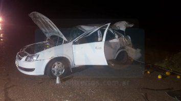 Vuelco fatal. En la ruta 6 el auto se siniestró y uno de los ocupantes perdió la vida.