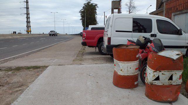 Deposito de la Dirección Provincial de Vialidad corta la ciclovía.