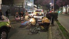 La bici tirada en el asfalto es una foto de estos días en Paraná.