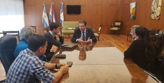 Prisión de los Siboldi: Castrillon recibió a vecinos del barrio Paracao