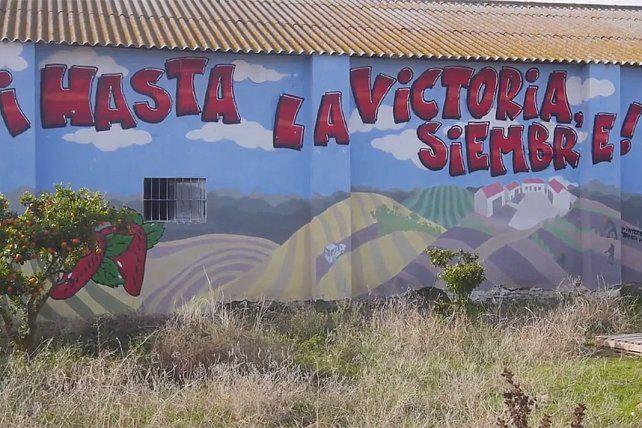El mural en una granja recuperada en Andalucía.