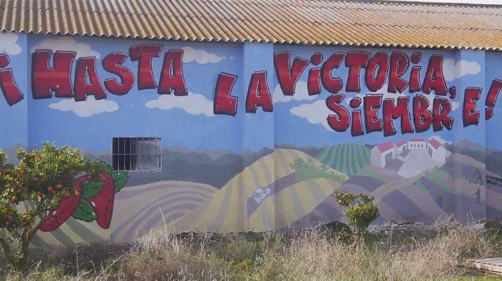 El mural en una granja recuperada enAndalucía.