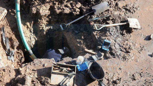 Paraná: Reanudaron trabajo de arreglo de caño de agua