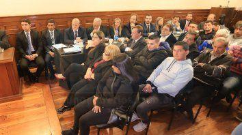 juicio varisco-celis: risas, gestos y comentarios