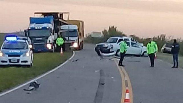 Enlace Victoria-Rosario: hombre chocó contra un camión y murió en el acto