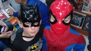 en el dia de batman los superheroes salieron por parana
